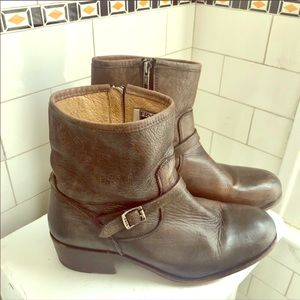 ❤️ Lovely Fry Leather Zipper Boots